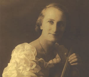 Huldah Turner as a young woman