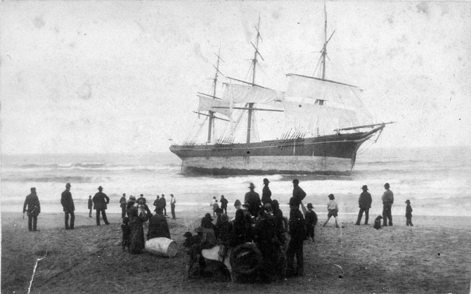 Wreck of the Susan Gilmore (Courtesy of the State Library of NSW) http://acms.sl.nsw.gov.au/item/itemPopLarger.aspx?itemid=393087