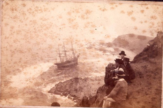 Unattributed photograph of the Wreck of the Susan Gilmore (Slide C917-0504 in the John Turner Collection University of Newcastle) Could this be Freeman's image?