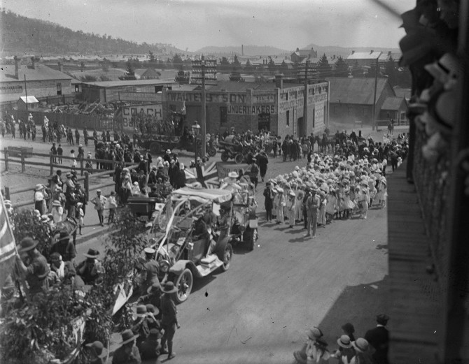 Lithgow - Parade Opposite Walters and Son Undertakers (Thomas James Rodoni Original Glass Negative, digitised by Chris Fussell)