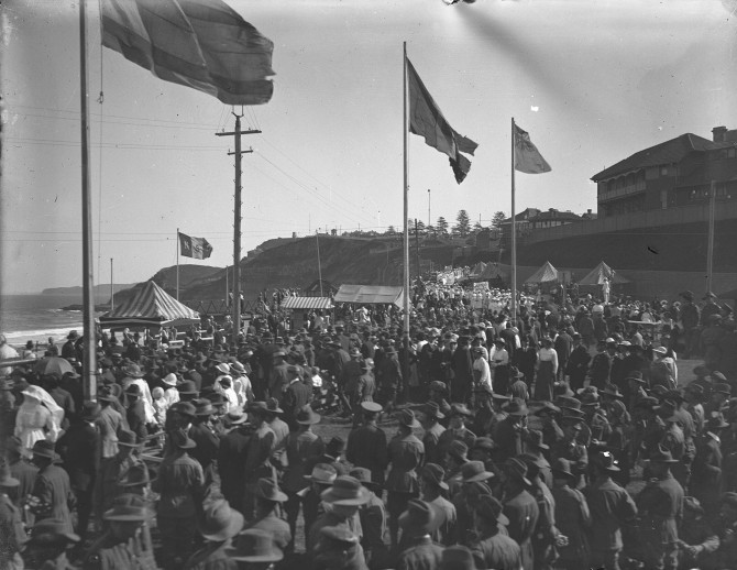 Newcastle Beach Crowds Military (Thomas James Rodoni Original Glass Negative, digitised by Chris Fussell)
