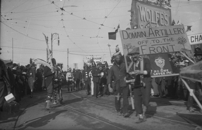 Street Parade - Domain Artillery Off to the Front (Thomas James Rodoni Original Glass Negative, digitised by Chris Fussell)