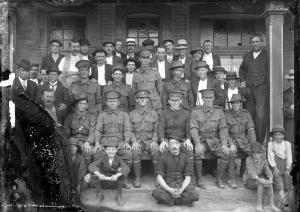 A group of Australian soldiers outside a hotel, [Criterion Hotel-], [1914-1918]